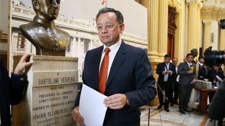 Frente Amplio presentó moción para remover a Edgar Alarcón de la Comisión de Fiscalización