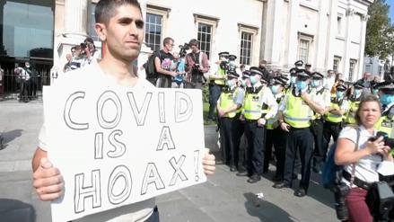 """Reino Unido: Activistas contra el confinamiento y las vacunas piden en Londres """"libertad"""""""