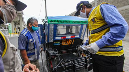 Multan a más de 500 conductores de mototaxis informales en el Cercado de Lima