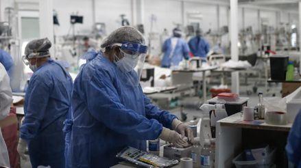 Argentina supera las 14 000 muertes por coronavirus tras sumar 424 nuevos decesos
