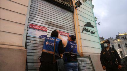 Municipalidad de Lima clausuró por insalubridad una pizzería en los alrededores de la Plaza San Martín
