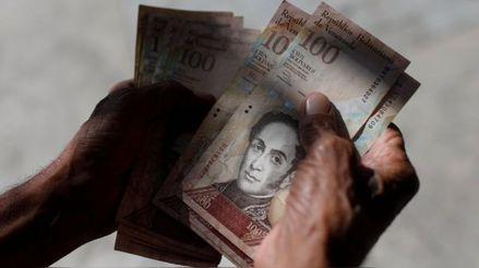 Venezuela: Salario mínimo vale menos de US$ 1 tras cotización récord del dólar