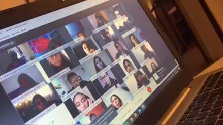 Profesora amenazó con reprobar a sus alumnos por no prender sus cámaras en las clases en línea