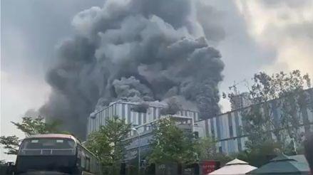 China | Incendio de una planta en construcción de Huawei dejó tres muertos