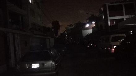 Cercado de Lima: Ocho manzanas de urbanización Pando no cuentan con alumbrado público desde hace cuatro días