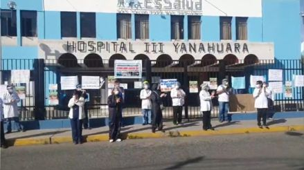 Arequipa: Médicos de EsSalud realizan protesta de 48 horas exigiendo implementos y equipos de seguridad