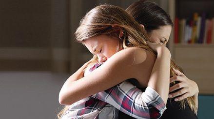 ¿Cómo ayudar a mi hijo en el proceso de duelo tras la muerte de un ser querido?