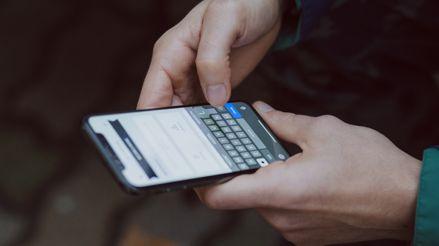 El coronavirus puede sobrevivir hasta casi un mes en las pantallas de celulares, según estudio