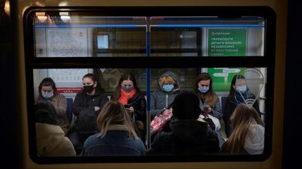 Rusia registra nuevo récord con 17 340 contagios de la COVID-19 en un día