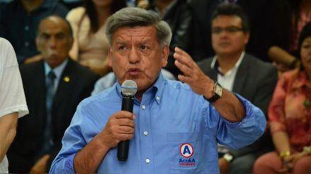 César Acuña fue inscrito como precandidato presidencial en APP