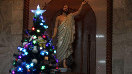 El mundo se prepara para una solitaria Navidad bajo fuertes restricciones