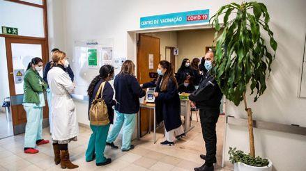 Portugal ha vacunado a 16 700 profesionales de la salud y comenzará en residencias de ancianos el primer lunes de enero