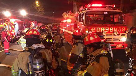 Bomberos atendieron 35 incendios en Lima y Callao durante Año Nuevo