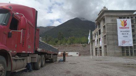 Yura dona 20 000 bolsas de cemento para construcción de Hospital de Pediatría Especializada y Cáncer Infantil