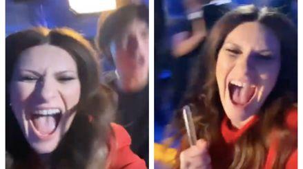 Laura Pausini y su celebración tras ganar su primer Globo de Oro por Mejor canción de una película