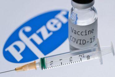 LLegó al Perú el primer lote de 50 000 dosis de la vacuna de Pfizer contra la COVID-19