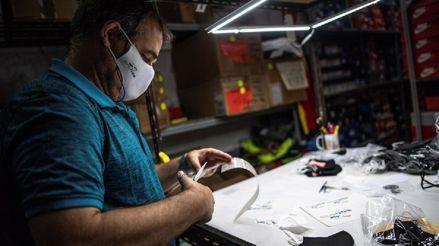OMS recomienda usar mascarillas de telas que tengan tres capas y sin válvulas durante la pandemia de la COVID-19