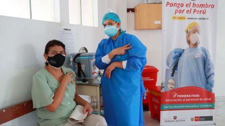 Continúa aplicación de la segunda dosis de la vacuna contra la COVID-19 en hospitales de Lima