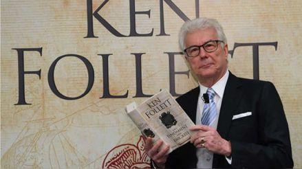 Ken Follett dona derechos de autor de su obra