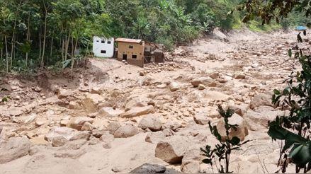 Piura: Huaico destruye viviendas y puentes en la provincia de Huancabamba [VIDEO]