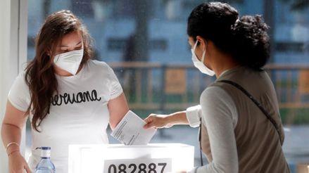 España: Miles de peruanos votan con todas las medidas sanitarias por COVID-19