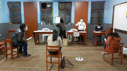 Elecciones 2021: Analistas reflexionan sobre el eventual escenario de la segunda vuelta [Audiogalería]