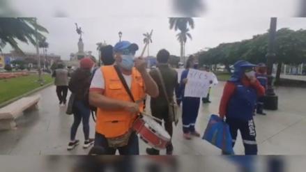 La Libertad: Ministro de Transporte es recibido en medio de protestas de trabajadores que piden ser vacunados