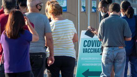 Estados Unidos: Miami-Dade da marcha atrás en oferta de vacunas contra la COVID-19 a turistas