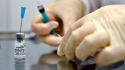 Vacuna de BioNTech/ Pfizer contra la COVID-19 requeriría de una tercera dosis de refuerzo