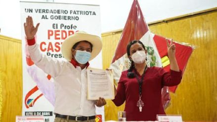 Pedro Castillo y Verónika Mendoza firmaron acuerdo para