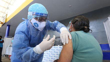 Vacuna contra la COVID-19: ¿Qué debe tener en cuenta una persona que recibirá la primera dosis?