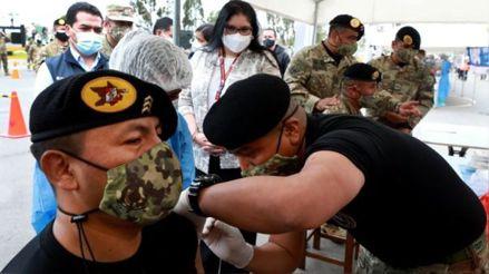Ministra de Defensa: Solo nos falta vacunar a mil miembros de las Fuerzas Armadas en todo el país