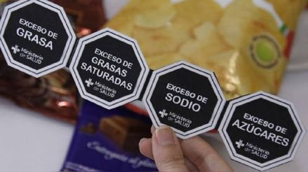 En junio vence el uso de octógonos adhesivos, ¿qué pasará ahora con el etiquetado de productos?