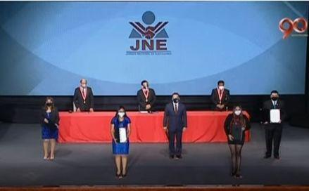 Elecciones 2021 | JNE entrega credenciales a congresistas del periodo 2021-2026