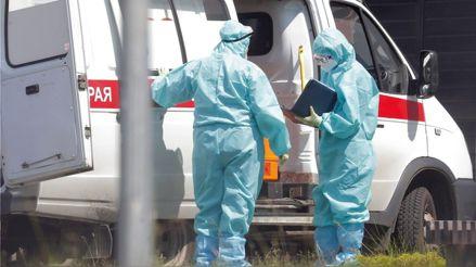 """Moscú decretó vacunaciones obligatorias ante """"dramático"""" aumento de contagios"""