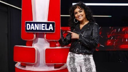 Daniela Darcourt se muestra incómoda en