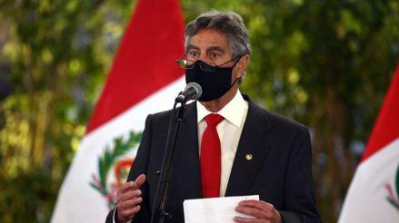 """Francisco Sagasti: """"En una democracia, las Fuerzas Armadas no son deliberantes"""