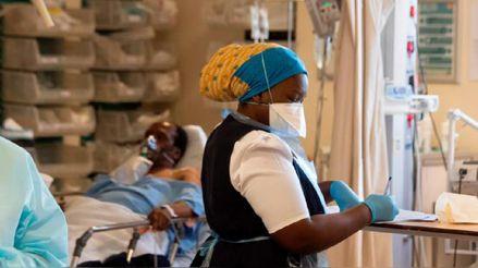 África sufre su peor ola de la COVID-19 por las variantes y la falta de vacunas