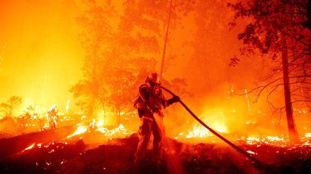 El mayor incendio activo en EE.UU. supera las 80 000 hectáreas calcinadas