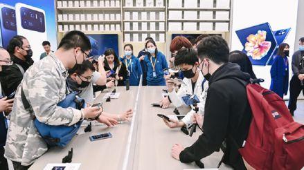 Análisis: Qué hay detrás del ascenso de Xiaomi al segundo lugar en ventas de celulares a nivel global