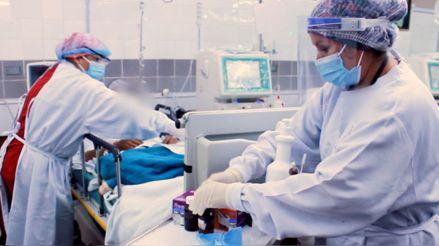 Minsa: Hay 7 982 pacientes hospitalizados por la COVID-19 en todo el país