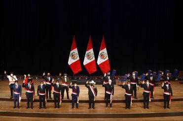 Pedro Castillo toma juramento de los ministros de Economía y de Justicia