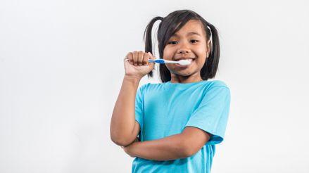 Para evitar una ortodoncia, conozca cómo cuidar los dientes de sus hijos