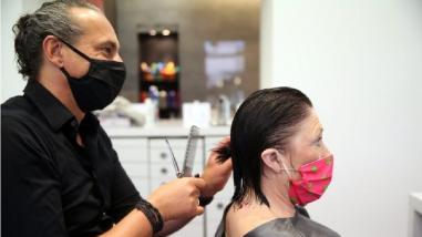 Cuidado del cabello: ¿Cómo mantenerlo a pesar de los años?