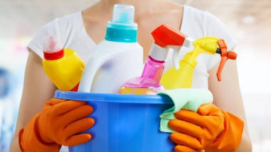 COVID-19: ¿Las sustancias de limpieza y desinfección del hogar pueden dañar nuestros ojos?