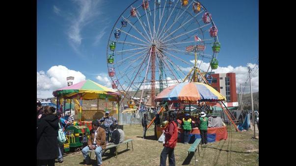 Fiscalia Verifica Estado De Juegos Mecanicos En Feria De Juliaca
