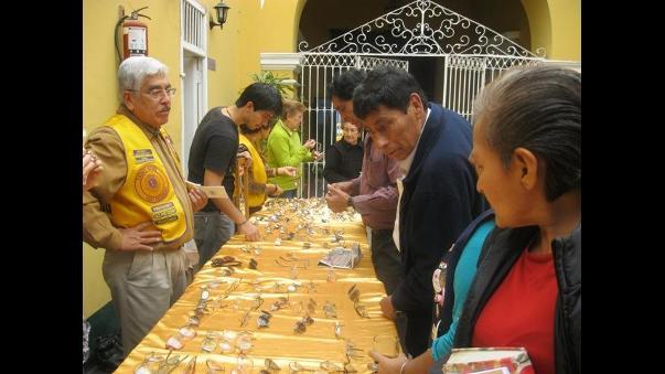 8bb5eac401 Donan monturas para lentes a personas de bajos recursos en Trujillo ...