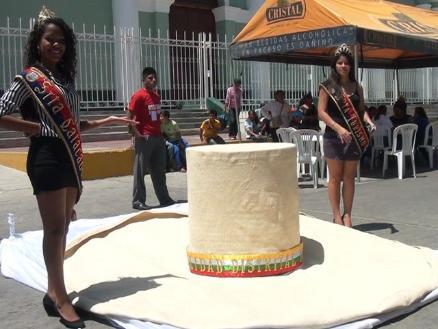 Piura  Presentan sombrero más grande del Perú  2a13d4b179f