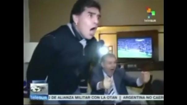 be0b2aca5 Mira cómo vivió Diego Maradona el partido entre Uruguay e Inglaterra. El  excrack argentino disfrutó del partido junto a Víctor Hugo Morales ...