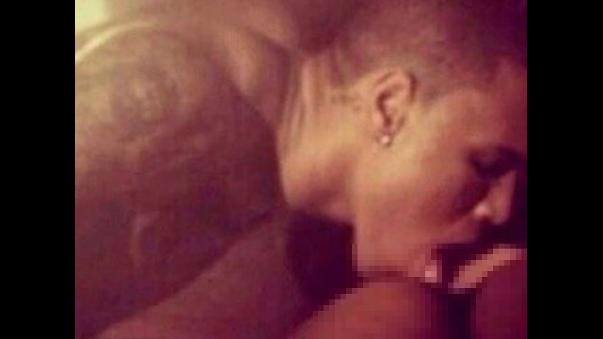 Polla de Chris Brown desnudo - Paquetes de futbolistas